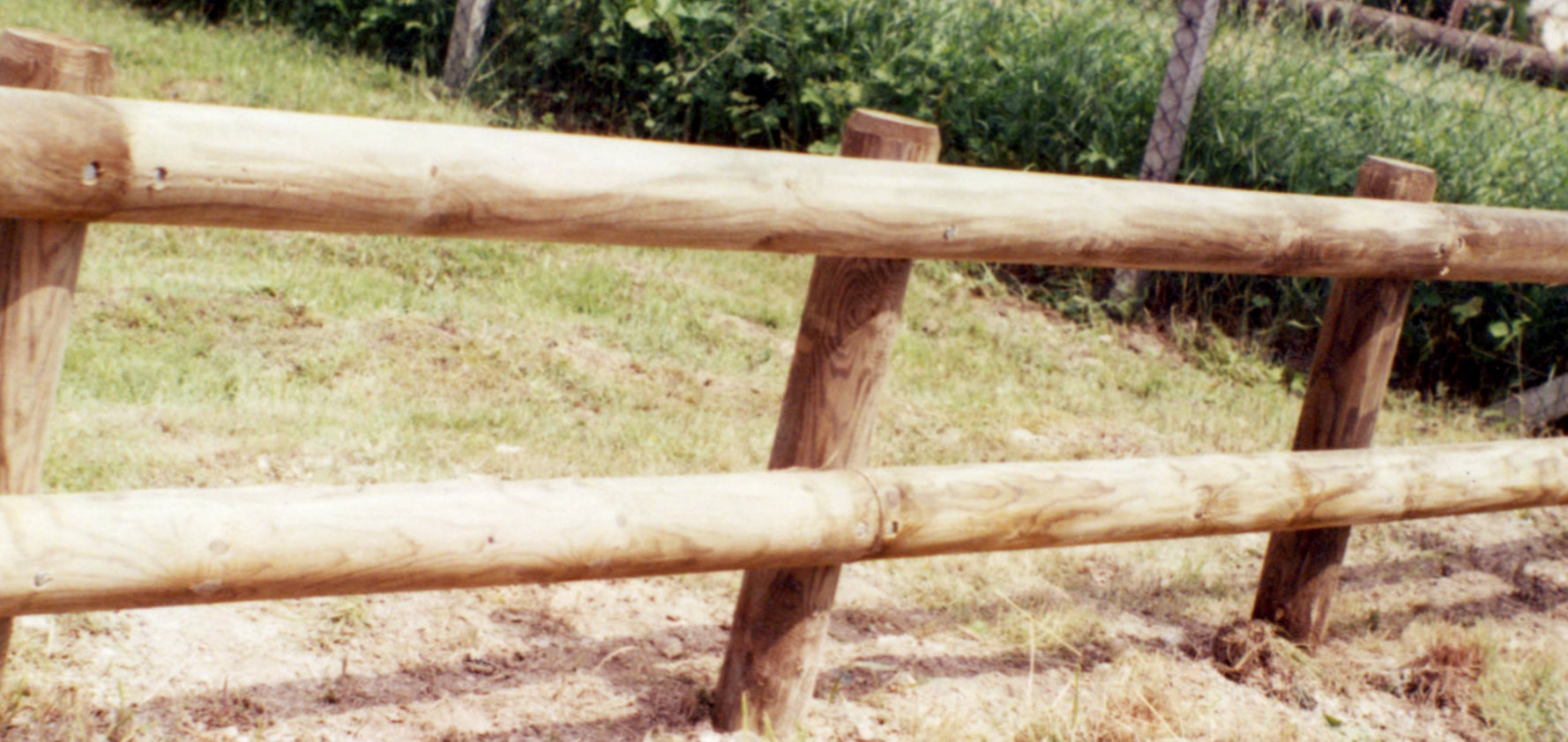 CLoture moyenne en rondins de bois autoclave